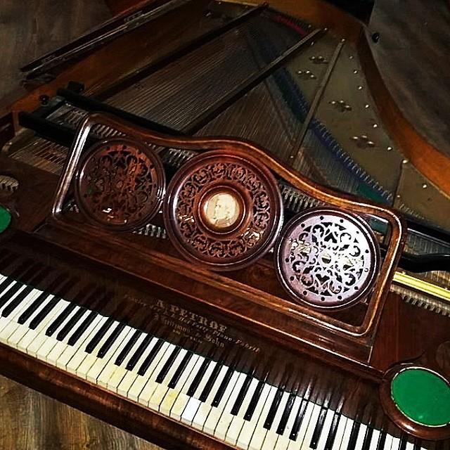#piano #petrof #vintage #music #bugattibistro #skopje