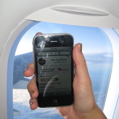 iphone_flying_naslovna