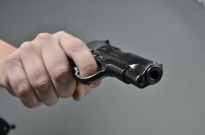 sluzben pistol-panker_majkati i tatko ti