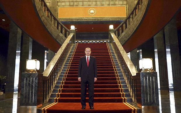 Ak_Saray_Erdogan_majkatiitatkoti