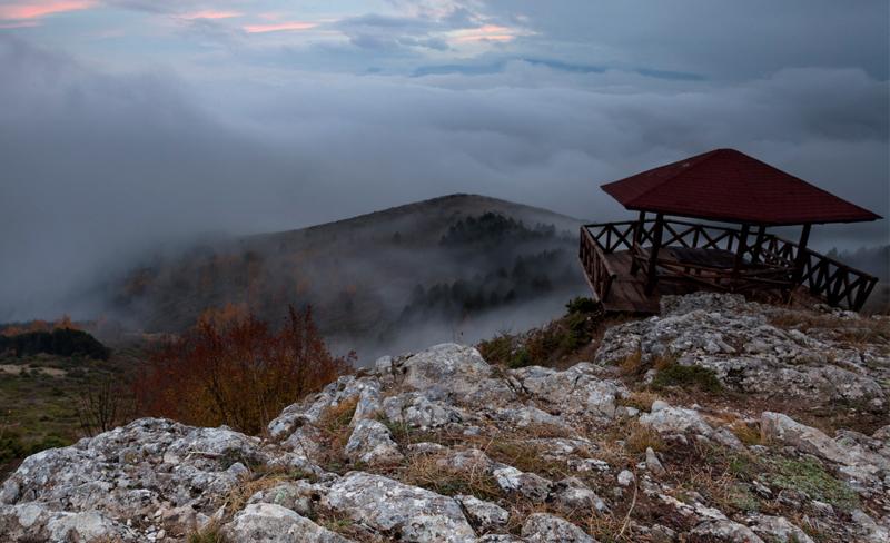 Goran Petrov – Foggy View