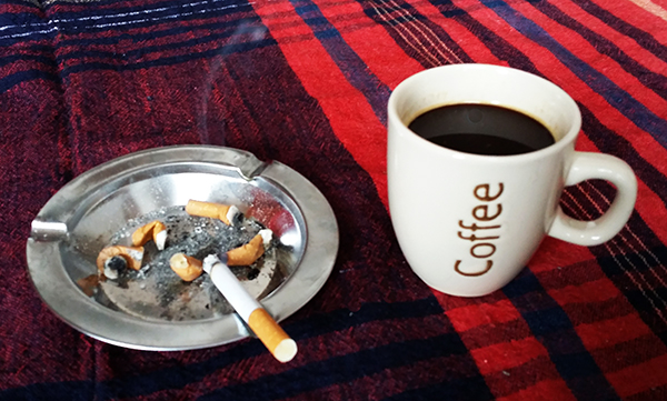 kafe i cigari-pocetna_majkatiitatkoti