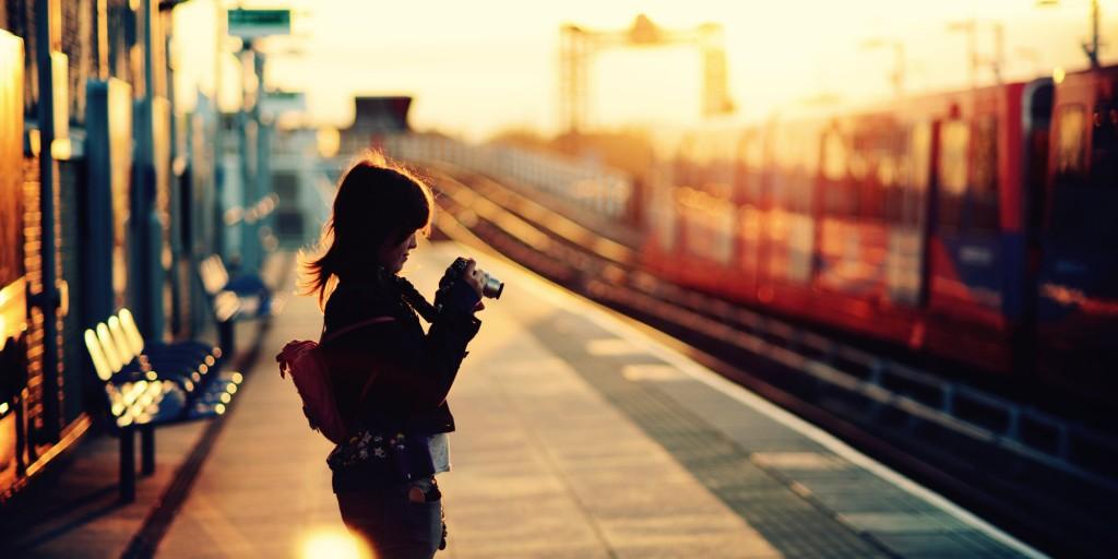 10 причини зошто да останеш со девојката која сака да патува