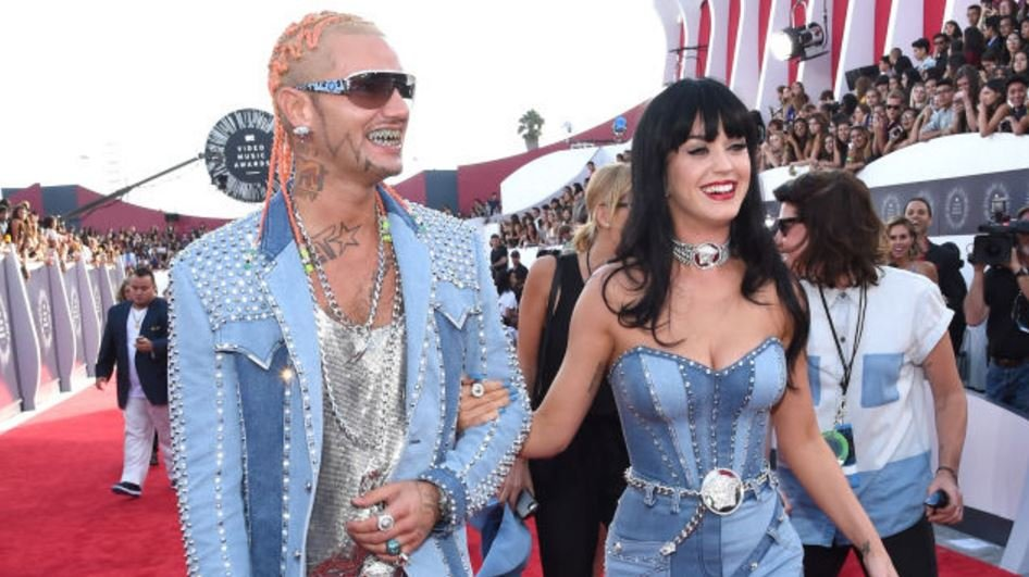 10-of-the-biggest-celebrity-fashion-fails-7