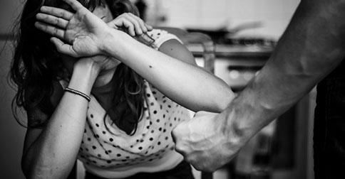 nasilstvo-naslovna_majkatiitatkoti