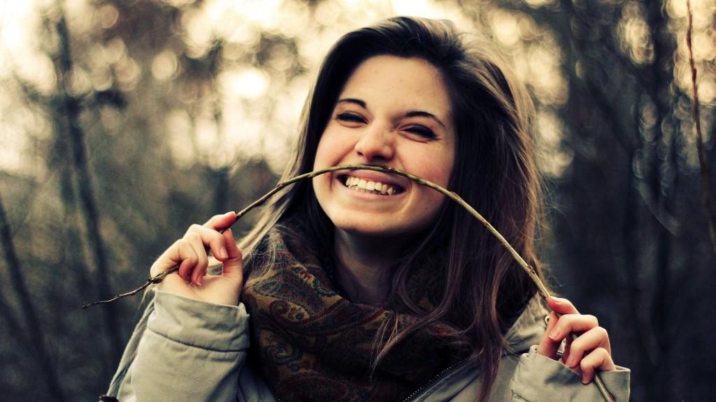 devojka-osmeh-pocetna_majkatiitatkoti