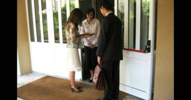 Шо продаваат овие Јеховините Сведоци?