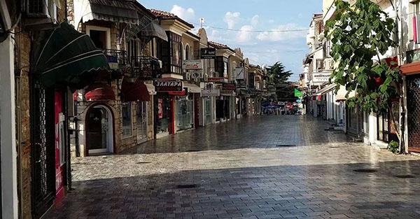 Во Македонија е нескромно да се пишува за убави нешта